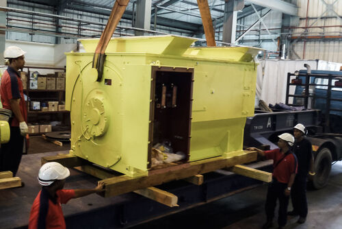 Unloading a 11,000 V squirrel cage motor at Malaysian power plant